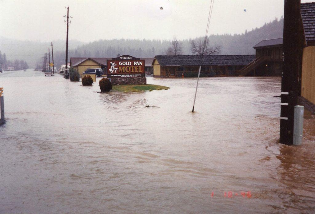 flood-spanish-creek_v1b
