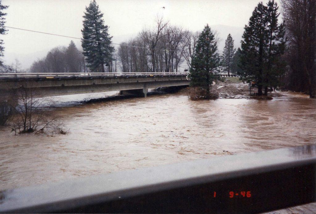 flood-spanish-creek_v2